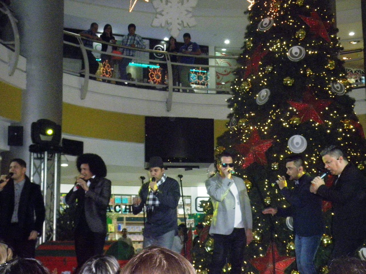 Vocal-Song-en-tolon-Fashion-Mall