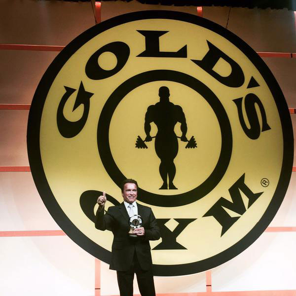 Arnold-Schwarzenegger-Salon–de-la-fama-de-Golds-Gym